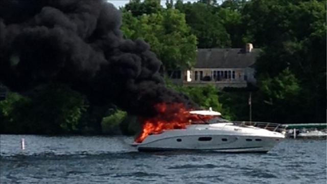 boat fire lake